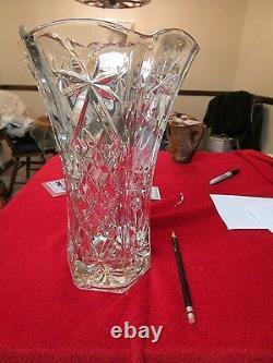 Beautiful Ornate Cut Glass Crystal Vase Plants Garden Jar Dinner Lunch Office